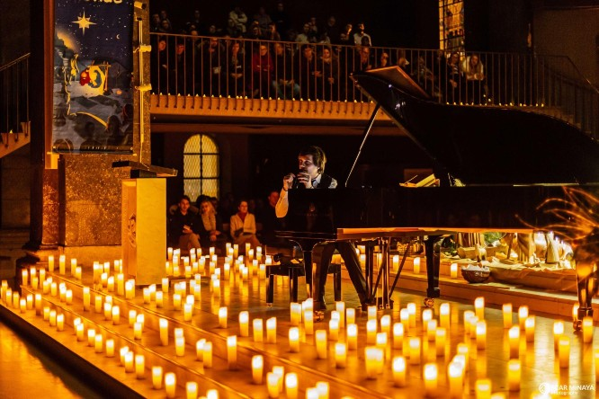 classical music candlelight