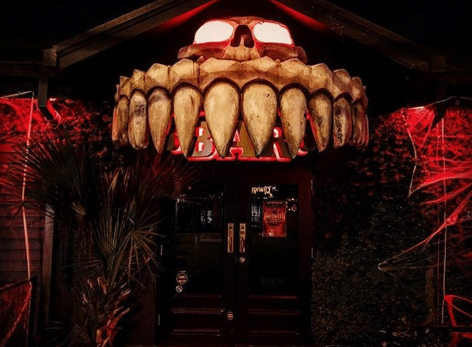 austin bars halloween