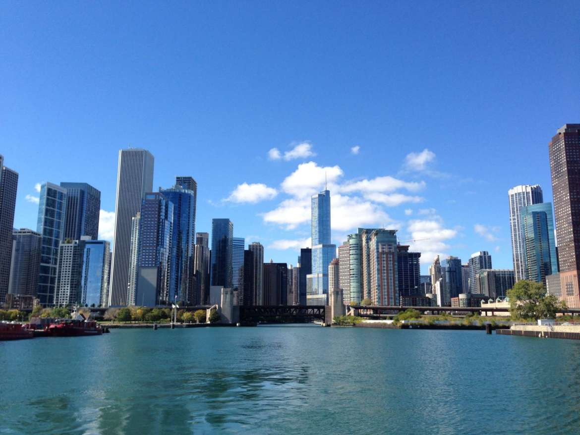 chicago's architectural boat tours are mind-blowing | urbanmatter