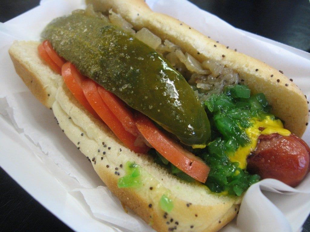 Chicago-style_hot_dog_2