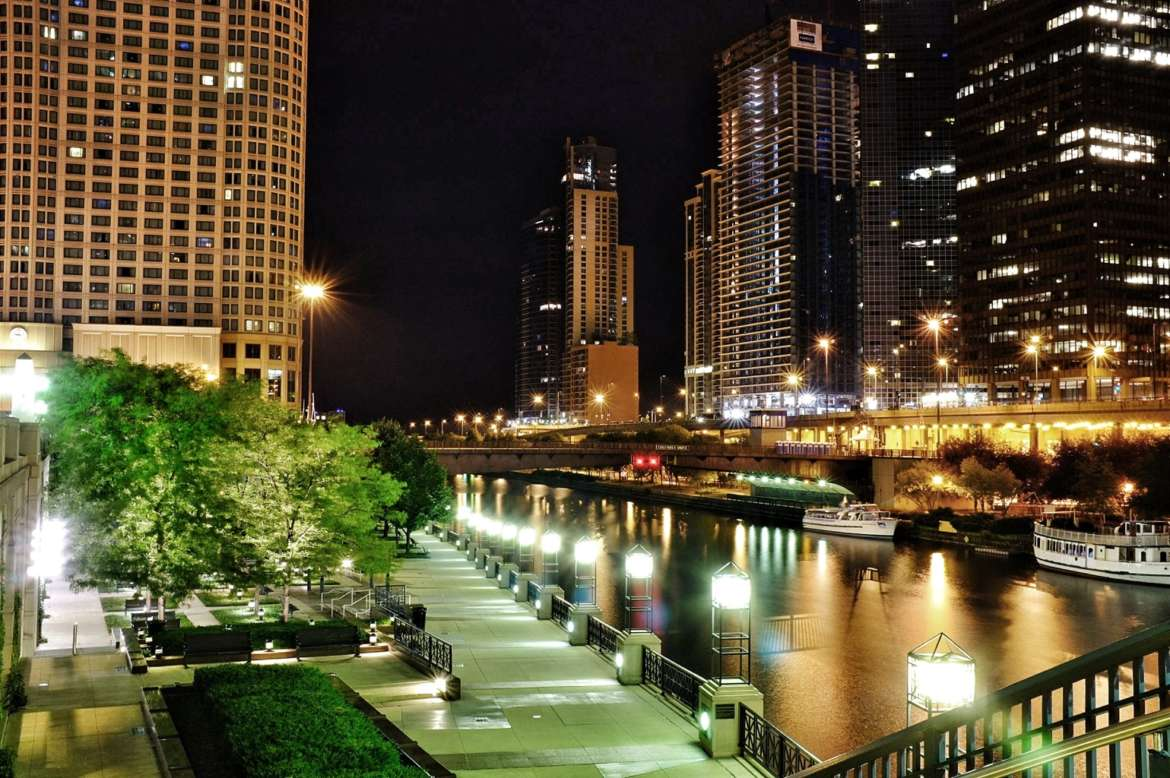 A Complete Guide to the Chicago Riverwalk