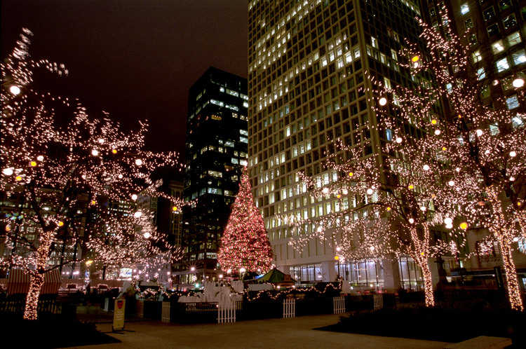 Christmas Tree Downtown Chicago.102nd Tree Lighting Ceremony At Millennium Park Urbanmatter