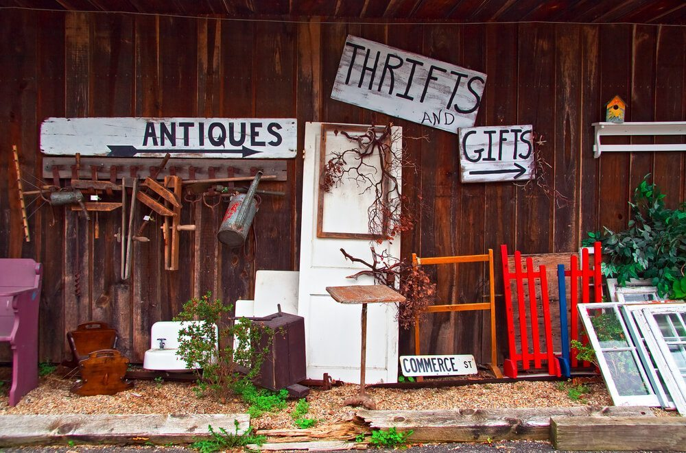 6 Incredible Thrift Stores in Chicago, Illinois