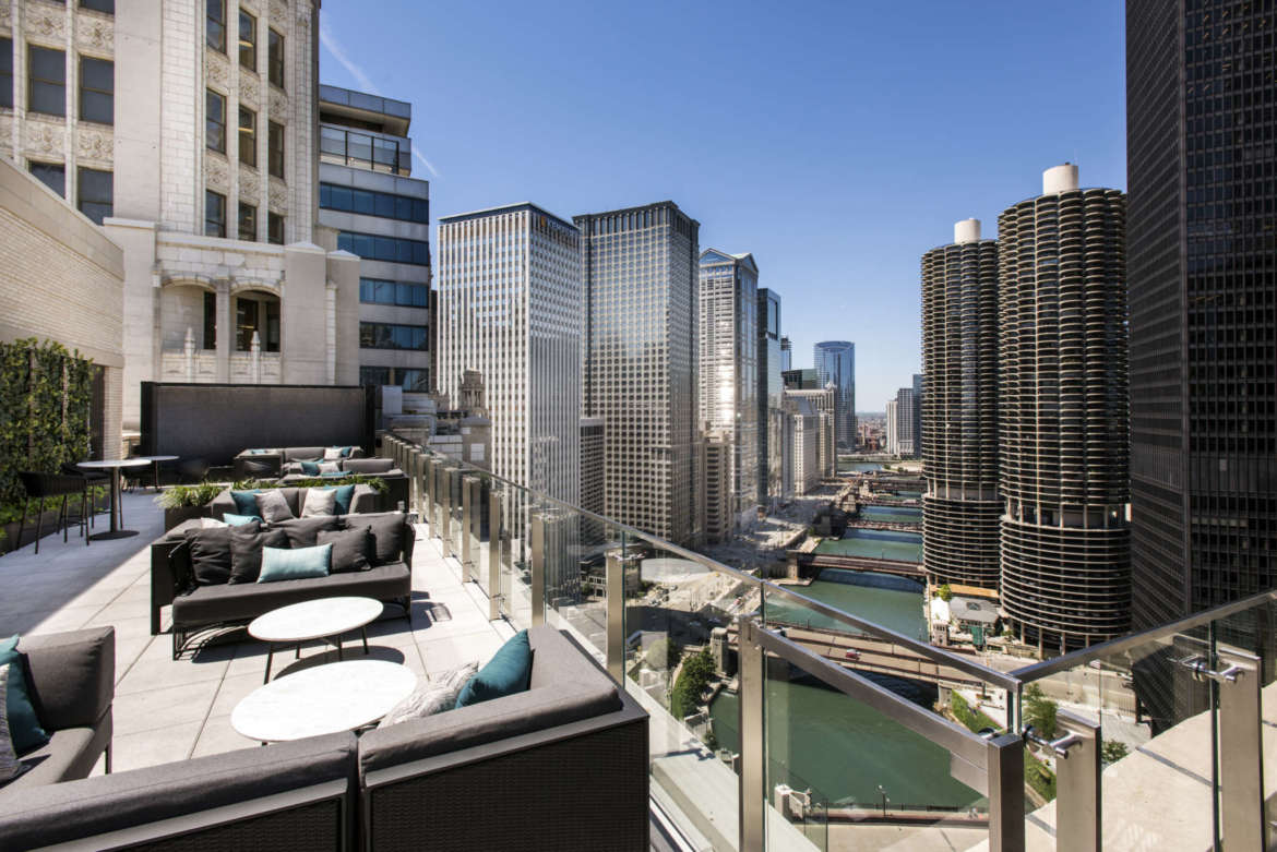 Rooftop season isn 39 t over yet 12 chicago rooftops bars to for Nice hotels downtown chicago