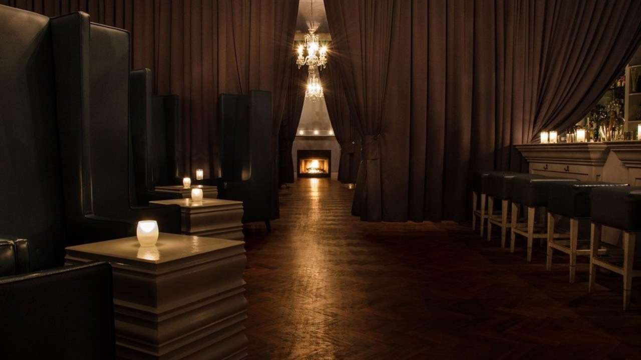 Warm Cozy Restaurants Or Bars With Fireplaces In Chicago Urbanmatter