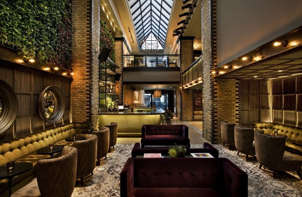 Top 10 boutique hotels in chicago for Trendy hotels chicago