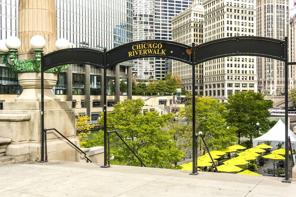 chicago riverwalk vendors
