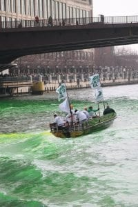 chicago river dyeing st. patrick's day