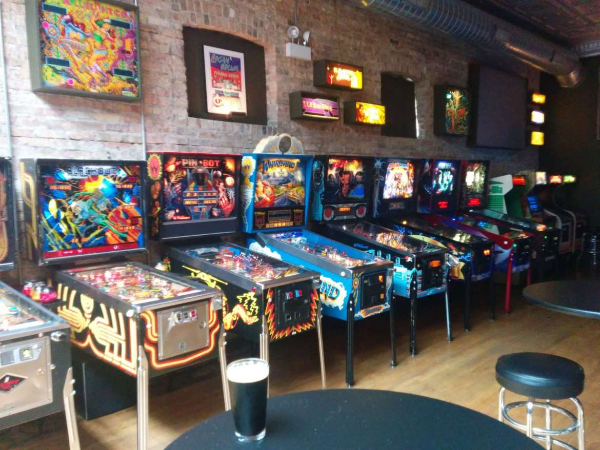 Surprising The Best Bars With Games In Chicago Urbanmatter Uwap Interior Chair Design Uwaporg