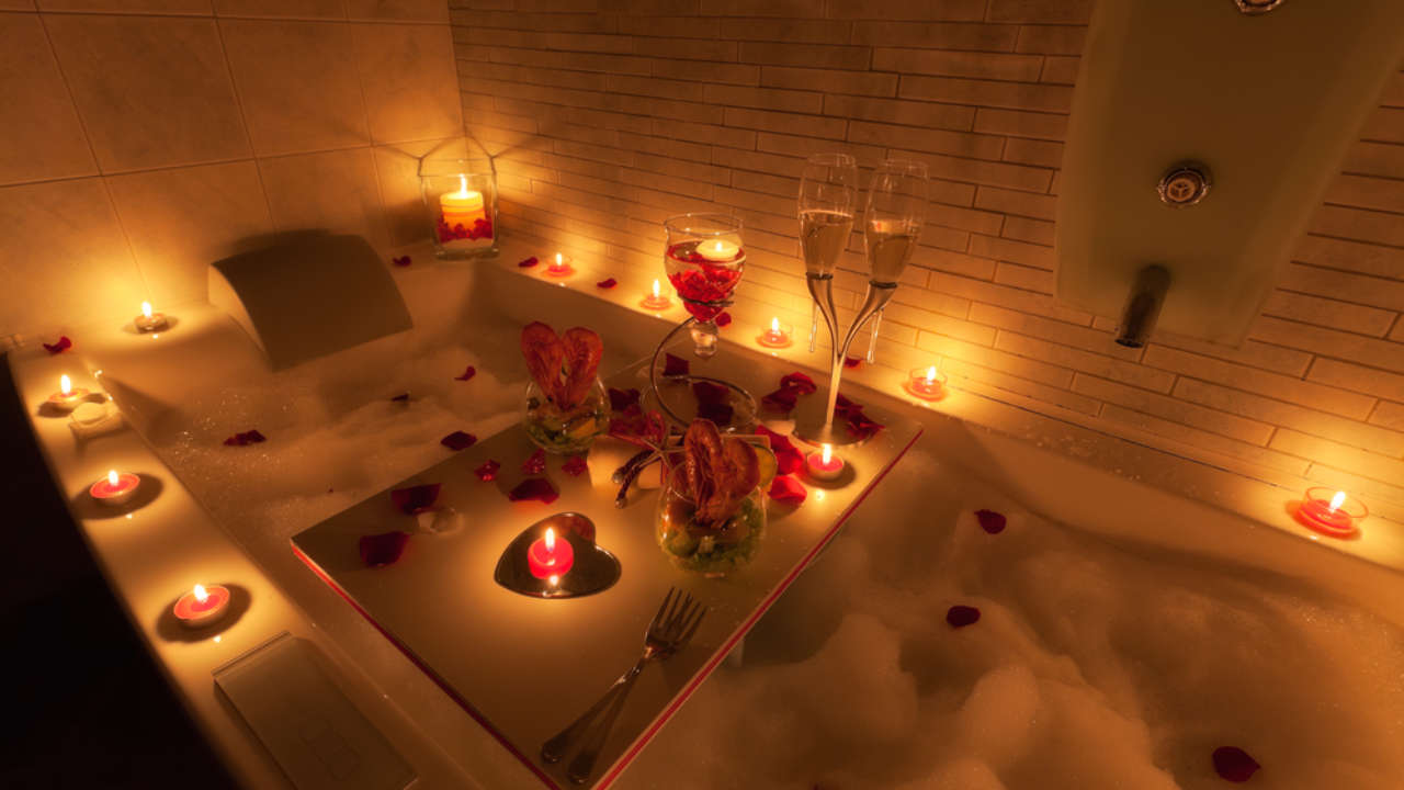 8 Valentine S Day Packages At Chicago S Best Hotels Urbanmatter,American Airlines Wifi App Download