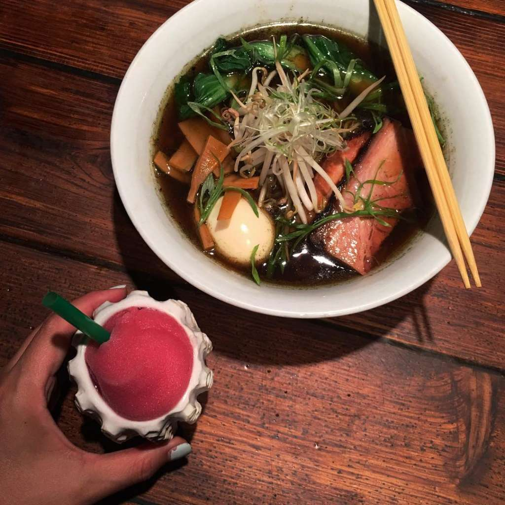 15 Best Restaurants Bars Places For Solo Dining In Chicago Urban Matter