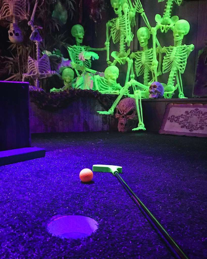 Mini-Golf Pop-Up Emporium