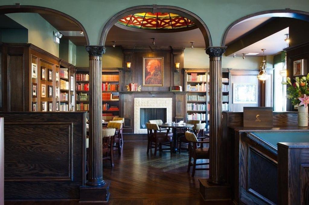 7 Best Bars in Andersonville
