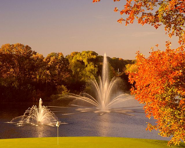 The Grand Geneva Resort is a good place to stay and dine while in Lake Geneva for fall color.
