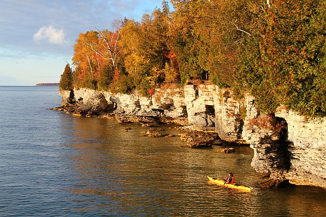 Door County shows off its colors to kayakers and other boaters (Door county photo)