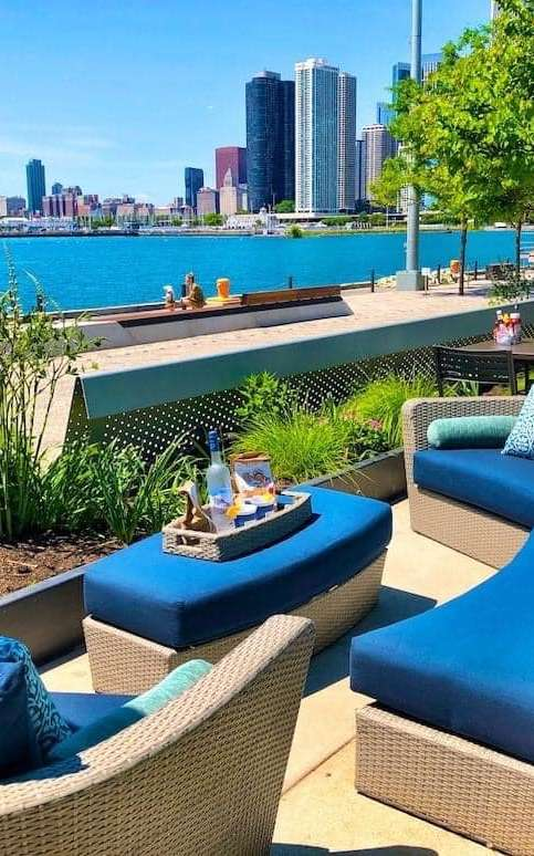 waterfront restaurants chicago