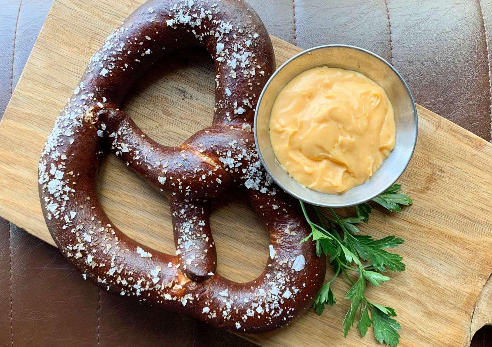 LW pretzel