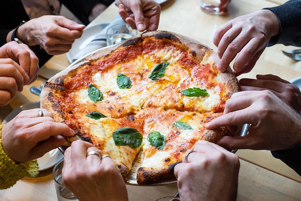 pizza bus chicago