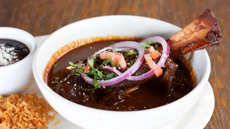 5 Places To Get Delicious Vietnamese Food Takeout Near Phoenix Urbanmatter Phoenix