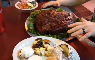 5 Popular Extreme Food Challenges in Phoenix, AZ