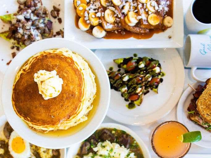 pancakes-in-phoenix-overeasy