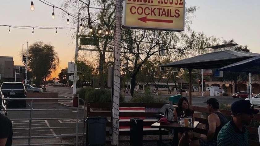 Popular Dive Bars Scottsdale
