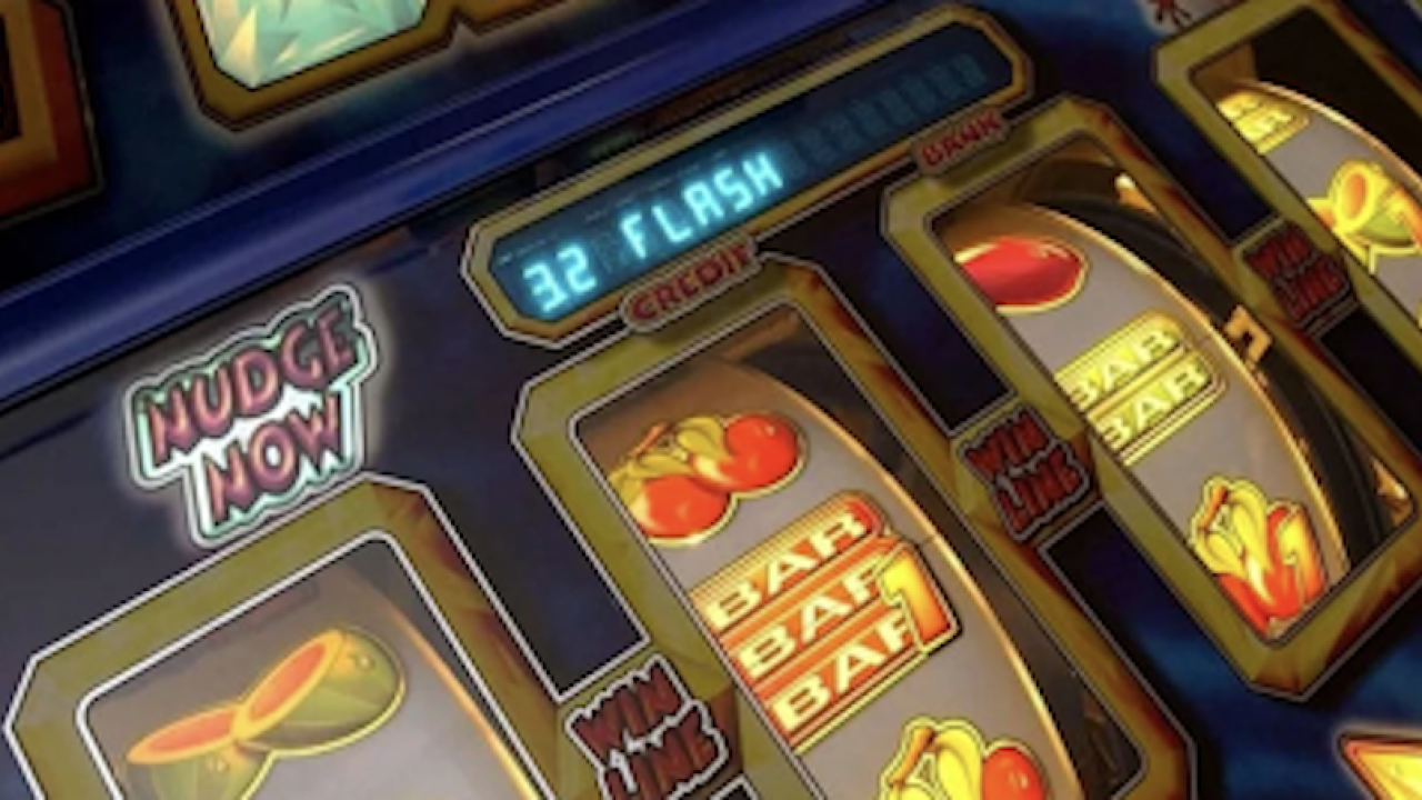 Four Advantages of Playing Progressive Slot Machines - UrbanMatter